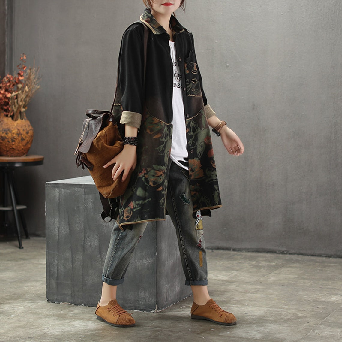 Women's Long-sleeved Terry Cotton Tops, Old-fashioned Vintage Retro Stitching Jackets, Patch-printed Coat, Mid-length Coat