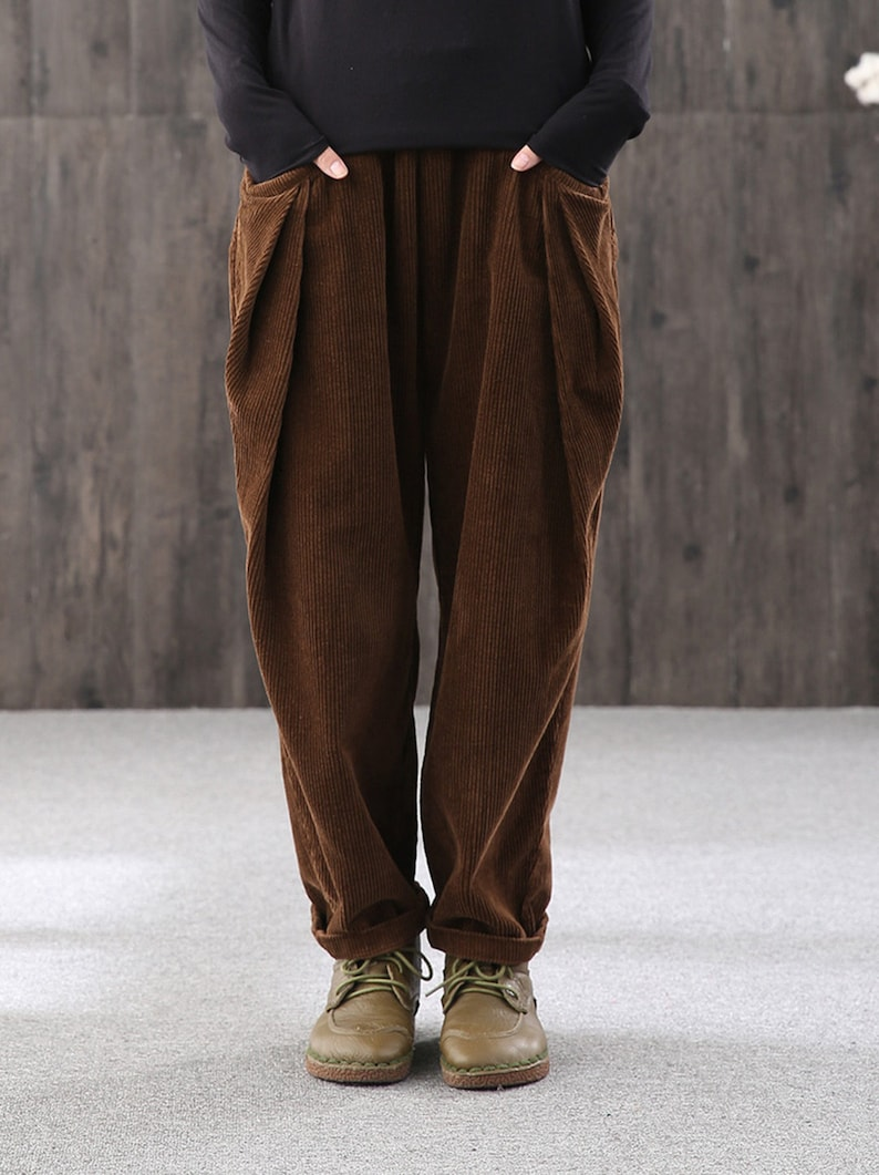 Otoño retro pantalones sueltos pantalones de harén de pana ...