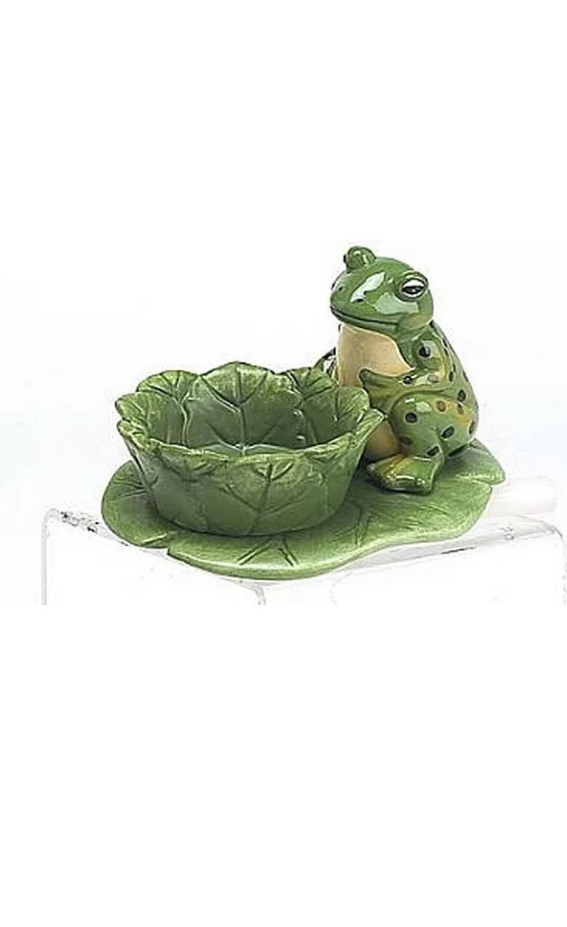 Botanical Frog on Lily Pad collectible tea light candle holder image 0