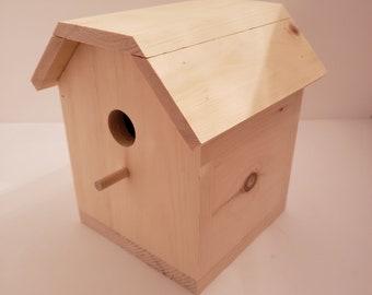 Basic Barn Birdhouse