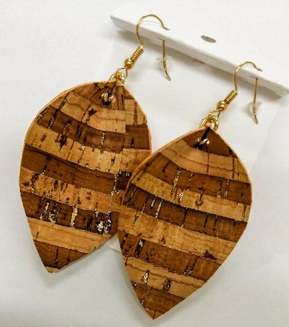 Drop earrings Gift for mom Women/'s jewelry Women/'s earrings Statement earrings Leather and cork earrings Brown earrings Ear wires