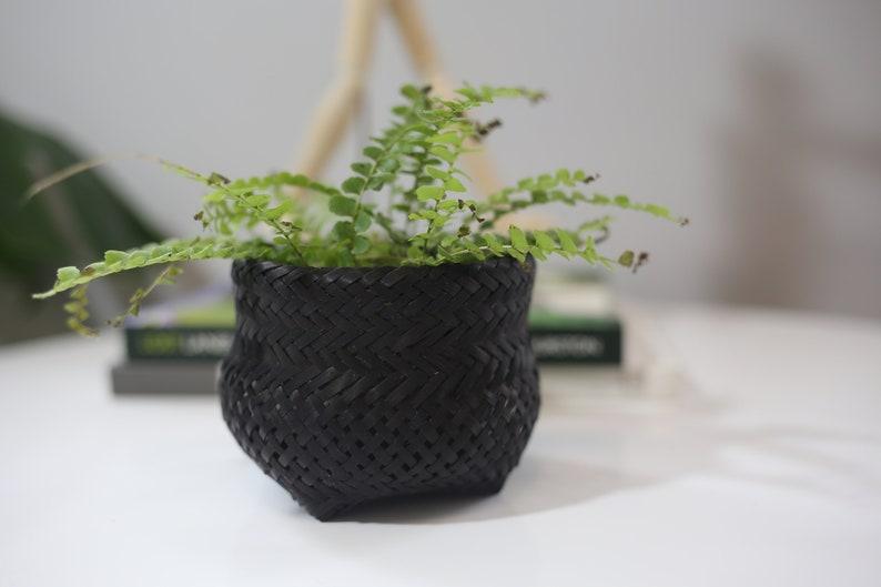 Maria Eug\u00eania Small Black Basket Guarani