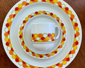 super cute mid century Georges Briard \u2018Florette\u2019 style fine china plates