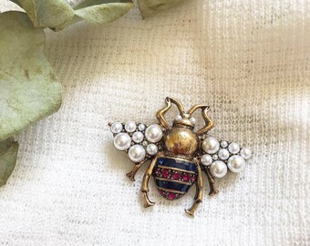 1dddebe815a Gucci bee brooch