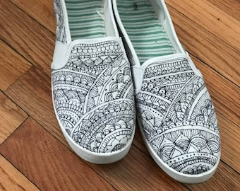 84085b060f349 Zentangle shoes | Etsy