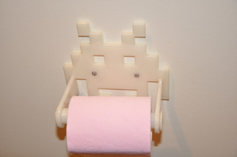 Invader 3D toilet image 0