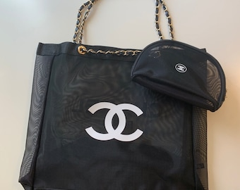 ae30acd68e40 CHANEL VIP Gift Tote with Cosmetic Bag