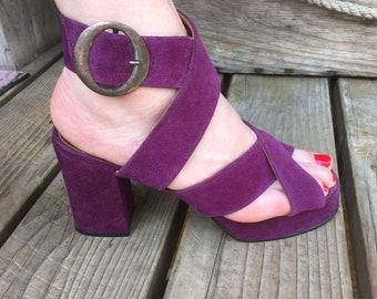 d9b72d5c199 Fabulous Funky Vintage 1970 s Purple Platform Sandals