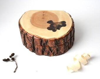 Unique Willow Tree Box with Rough Edge, Alder Cones, Small Wooden Keepsake Box, Eco Friendly Box, Primitive Decor, Family Gift for Home