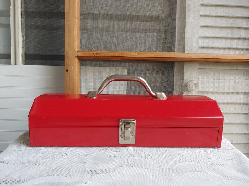 Vintage Red Tool Box Metal Tool Box Artist Case Vintage Tool Box Rustic Decor Farmhouse Decor Cash Box