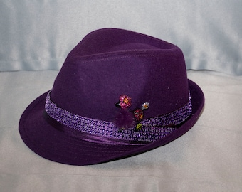 0aeddc39 Fedora, purple with fluffy poodle
