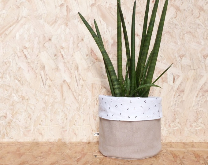 Waxed reversible medium planter