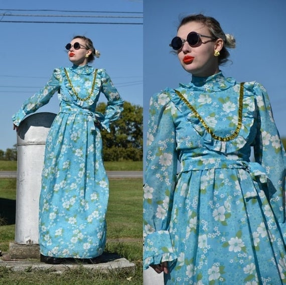 Vintage Blue Floral Prairie dress 1970s