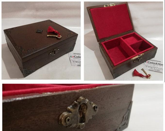 Handcrafted jewelery box woman organizer customizable jewelry