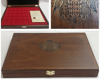 Wooden case for coins or medals of Monaco, with two removable trays, customizable