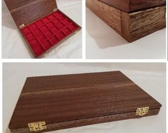 Cofanetto in legno massello di Mogano interno in velluto rosso handmade By Furio Troiano