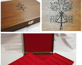 Wooden case for coins or medals Pontifical State, with two removable trays, customizable