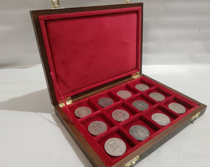 Wooden case for coins 12 boxes 50 x 50 mm in Italian velvet RED