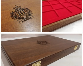 Wooden case for coins or medals Republic of San Marino, with two removable trays, customizable