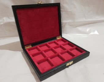 Wooden case for coins 12 boxes 40 x 40 mm in Italian velvet