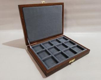 Astuccio in legno e velluto per monete ,medaglie,  12 caselle 50x50 mm Numismatica Coins&More