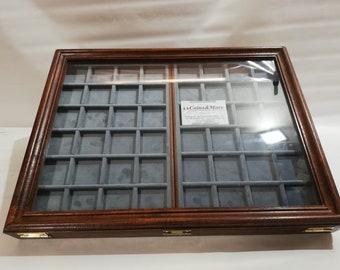 Teca in legno e vetro con due vassoi in velluto Italiano espositore per monete medaglie o oggetti da collezione