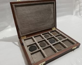 Wooden case for coins 12 boxes 50 x 50 mm in Italian velvet TORTORA