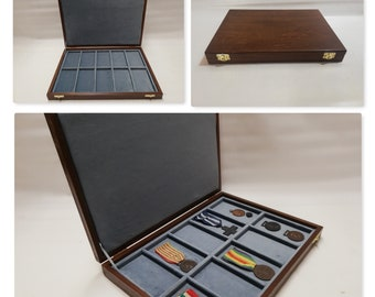 Wooden case for 10 military medals, wooden and velvet display case customizable