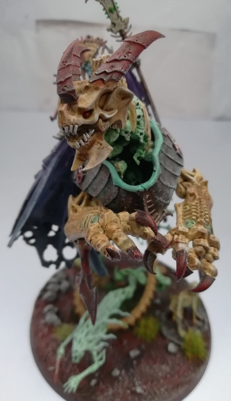 Games Workshop miniature Painted Neferata riding the undead dracolich Razarak