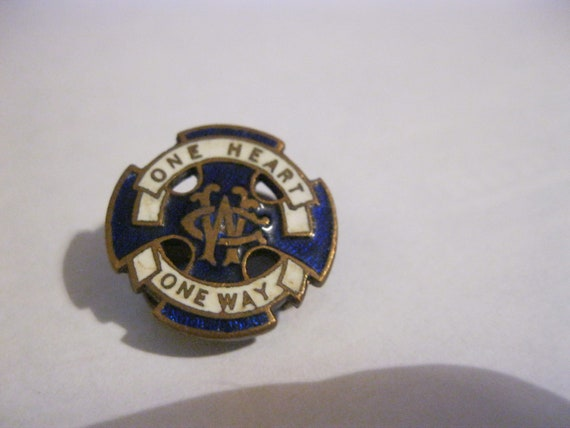 Vintage Enamel cap or lapel Badge - One Heart One