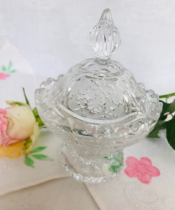 Beautiful  Frosted Etched Glass Bon Bon Dish With Lid.