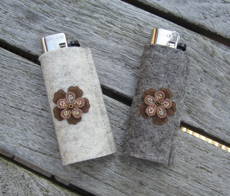 zigbaxx lighter case FLOWER, Lighthold lighter case with Flower-for BIC  Lighters and div  disposable Lighters-small Gift