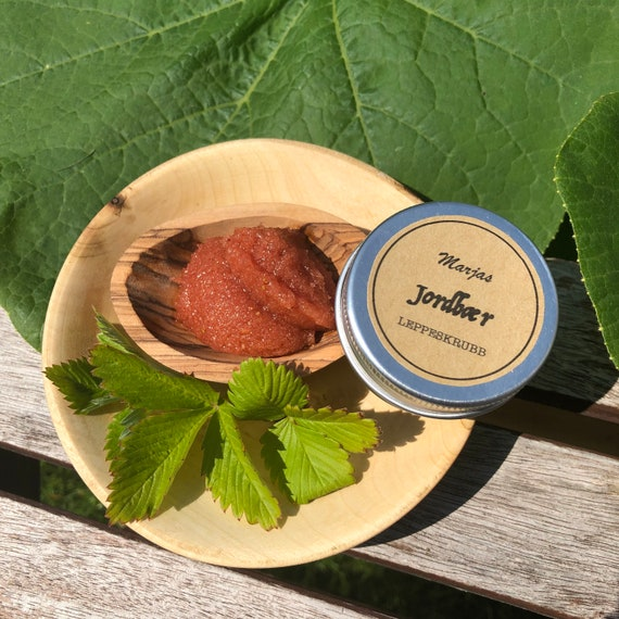 JORDBÆR-lip scrub -  strawberry and vanilla