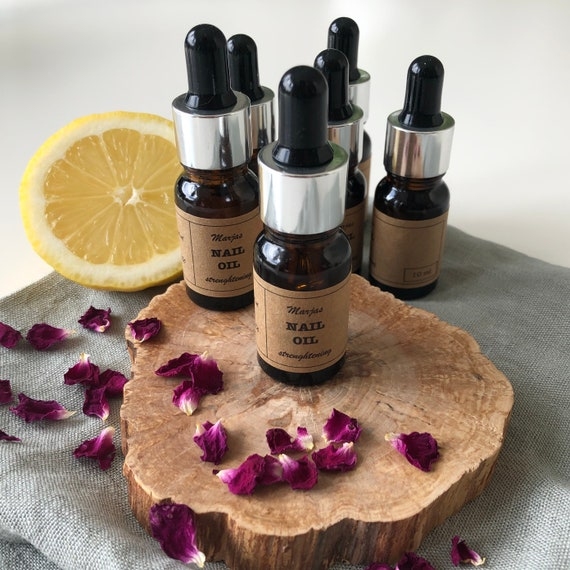 Nail oil with lemon and rose