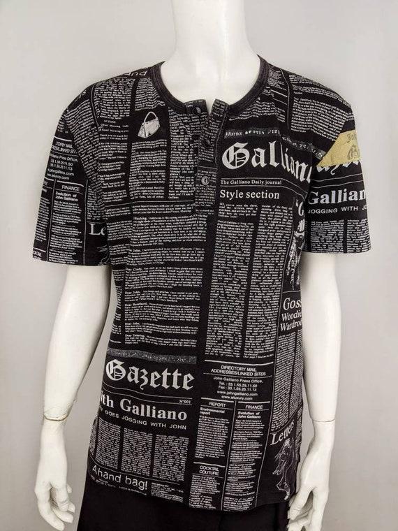 JOHN GALLIANO vintage tshirt newspaper print 90s |