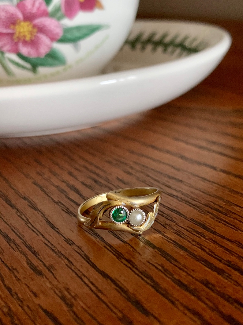 EMERALD Toi et Moi French Art NOUVEAU Gold Plated Solid SILVER Ring Green Leaf Belle Epoque Victorian Stacker Sweet Gift
