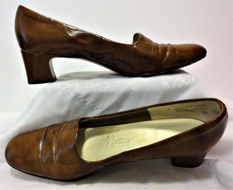 348228d95e338 Vintage Naturalizer Size 8AA Brown Faux Leather Slip On Pumps Shoes The  Shoe With The Beautiful Fit 1 7/8