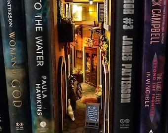Italy miniAlley® Booknook Bookshelf Insert Bookshelf Alley ™ Book nook