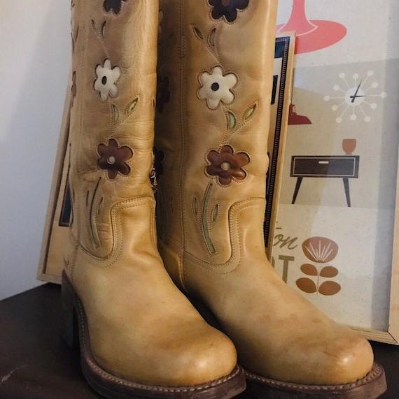 Vintage Sendra// Flower Power // Leather Boots //