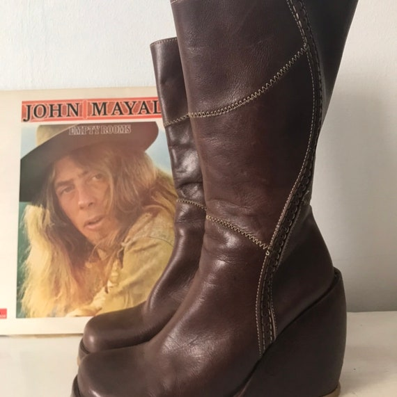 Vintage Destroy Brown Leather 90s  does 70s Boots