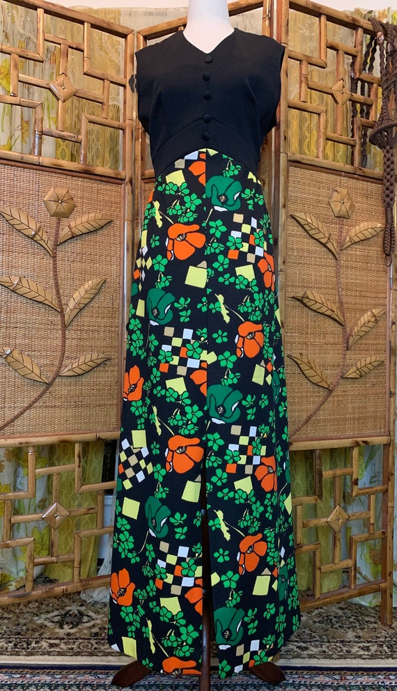 Vintage 1970's Sleeveless Maxi Dress with Psychede