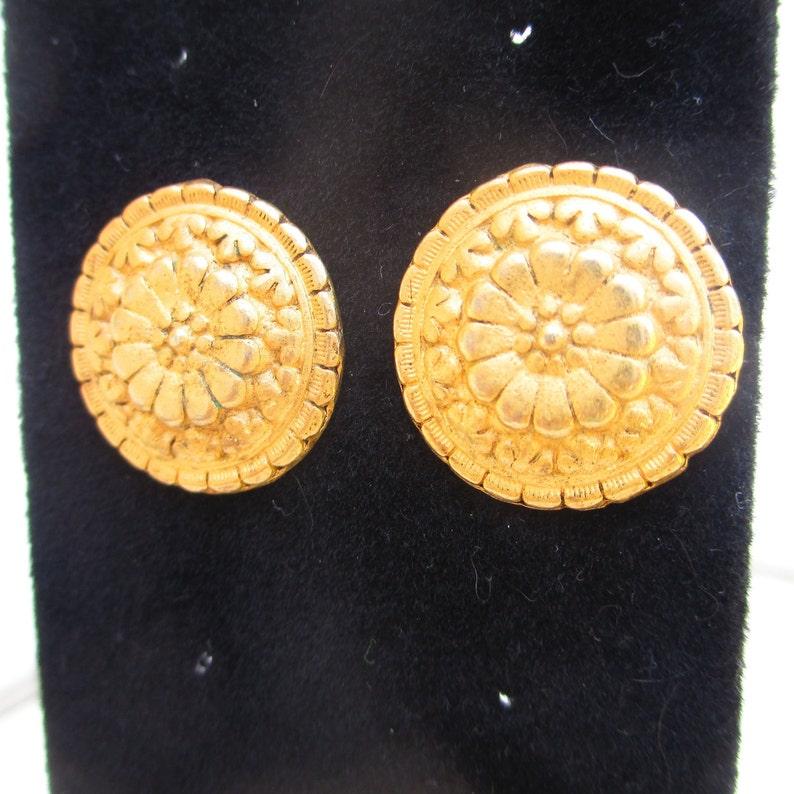 Vintage EH Gold Tone Floral Embossed Pierced Earrings Round Button Earrings Textured Flower Shape Earrings