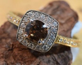 Pretty Round Nateral Australian Zircon and diamond 18ct White and yellow Gold solitaire Pave Bead Claw set Ring SI F