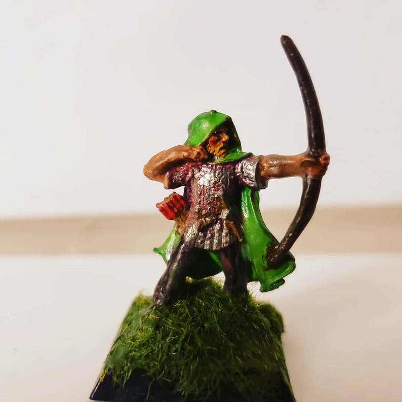 Dungeons and Dragons Custom Hand Painted Tabletop Miniatures -Artist Kenneth Hile-
