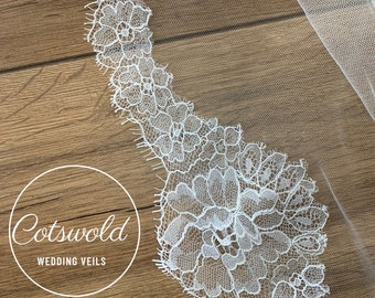 "Wedding Veil, French Lace Edge - Single Layer Soft Tulle Wedding Veil, 32 inches, 82 cm - Ivory Veil, 32"" Waist Length"