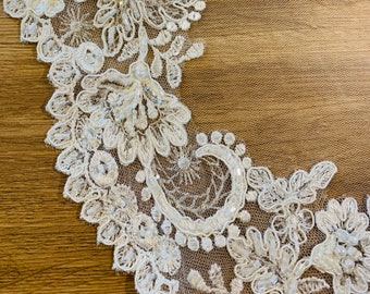 """110"""" Lace Edge Veil, Single Layer Diamond Tulle Lace Wedding Veil with a cut edge 110"""", 110 inches, 280 cm - Ivory Veil, Cathedral Length"""