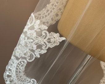 """Fingertip Lace Wedding Veil,  Lace & Beaded Single Layer Soft Tulle Ivory Wedding Veil with a beaded Lace edge 43"""", 110cm"""