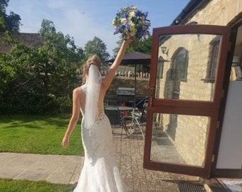 "Short Cut Edge Bridal Boutique Veil  - Single Layer Soft Tulle Wedding Veil with a cut edge 28"", 28 inches, 70 cm - Ivory Veil"