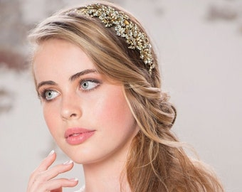 Enchanting Pearl Bridal Tiara, Wedding Tiara, Bridal Accessories, Gold or Silver Headpiece, Brides Hair Accessories