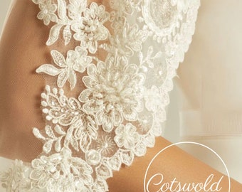 """Fingertip Lace Wedding Veil,  Single Layer Soft Tulle Veil with a beautiful Lace edge 43"""", 110cm - Ivory Veil Fingertip, Bridal Lace Veil"""